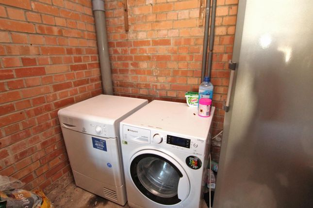 Utility Area of Middlebeck Drive, Arnold, Nottingham NG5