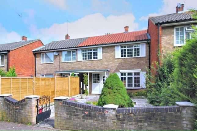 Thumbnail Terraced house to rent in Penn Road, Stevenage