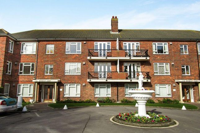 Thumbnail Flat to rent in Aldrington Close, Hove, East Sussex
