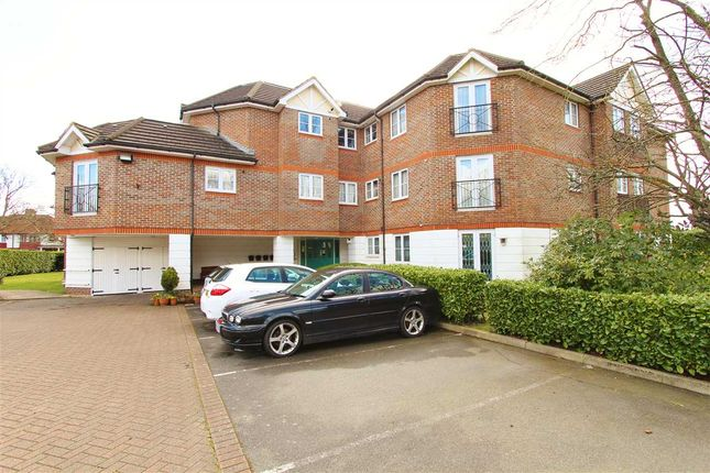 Thumbnail Flat to rent in Bartholomew Court, Longcrofte Road, Edgware