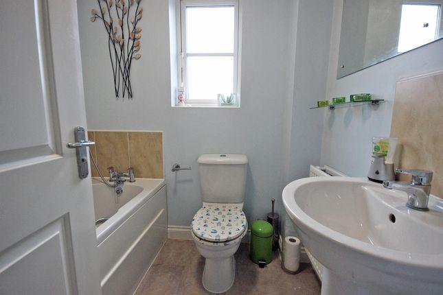 Img_4058 of Greenkeepers Road, Great Denham, Bedford MK40