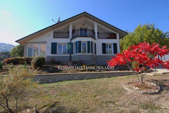 Thumbnail Villa for sale in Caprese Michelangelo, Tuscany, Italy