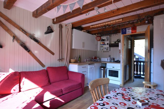 Champagny-En-Vanoise - Small 2 Bedroom Apartment With Large Terrace