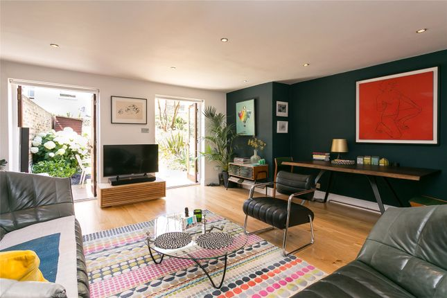 Thumbnail Flat for sale in Sugden Road, London