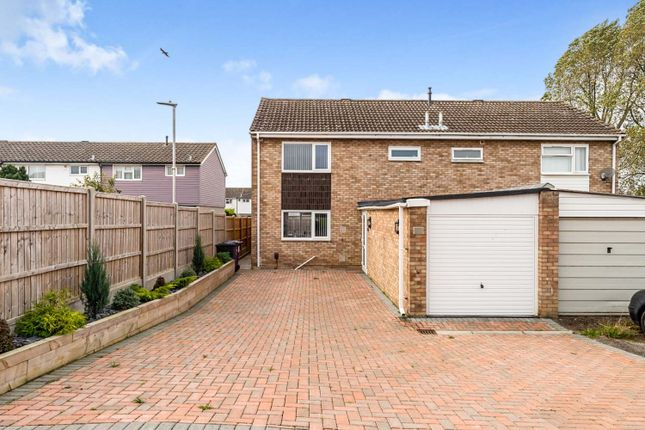 Thumbnail Semi-detached house for sale in Kyrkeby, Letchworth Garden City