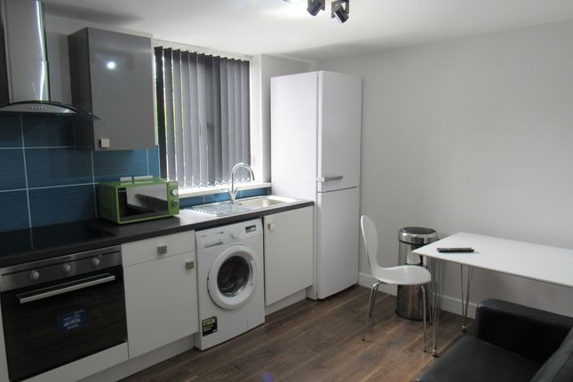 Thumbnail Flat to rent in Hawkins, Preston