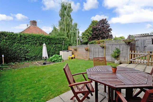Thumbnail Cottage for sale in Horsham Road, Findon Village, Worthing, West Sussex