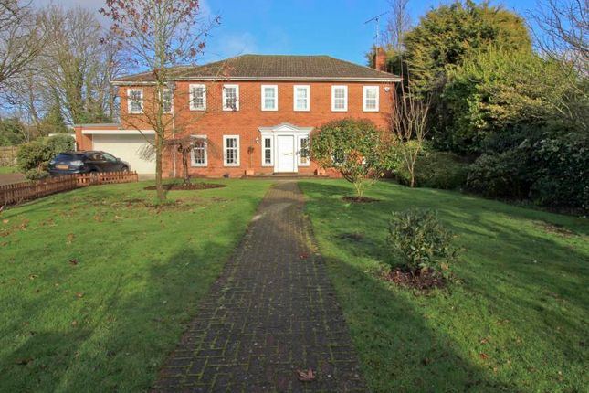 Thumbnail Detached house to rent in Amberley Close, Pinner