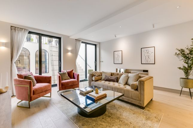 Thumbnail Flat for sale in Cremorne Road, London