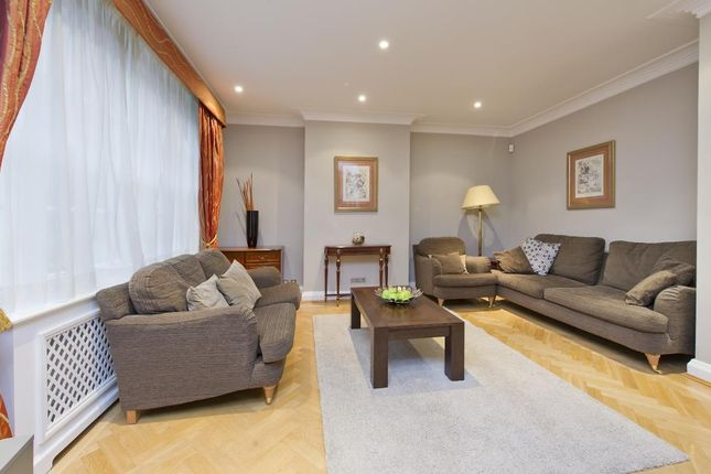 Thumbnail Mews house to rent in Portman Close, London