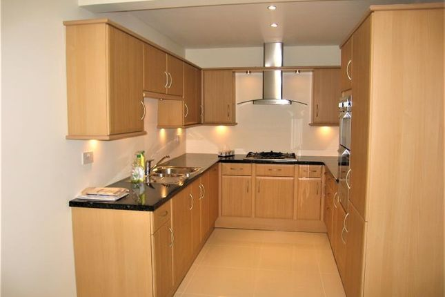 Thumbnail Property to rent in Pymers Mead, London