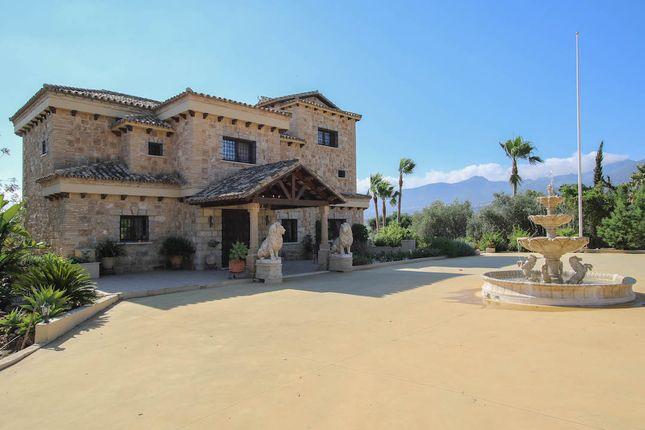 6 bed villa for sale in Alhaurin De La Torre, Alhaurín De La Torre, Málaga, Andalusia, Spain
