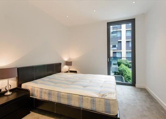 E1: Bedroom of Cashmere House, Aldgate, London E1
