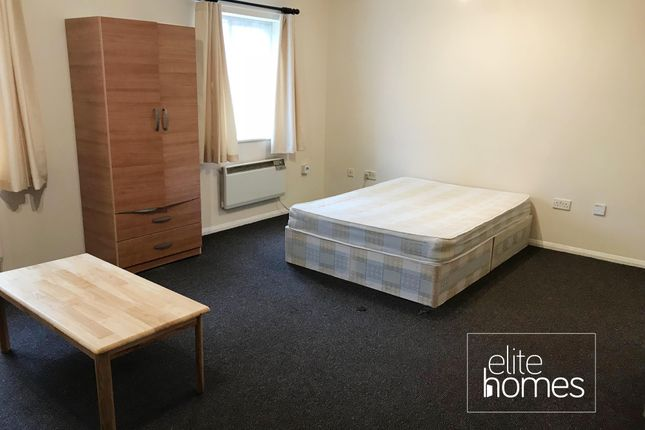 Studio to rent in Goldcrest Court, Colindale