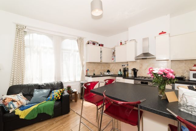 Thumbnail Triplex to rent in Acre Lane, Brixton