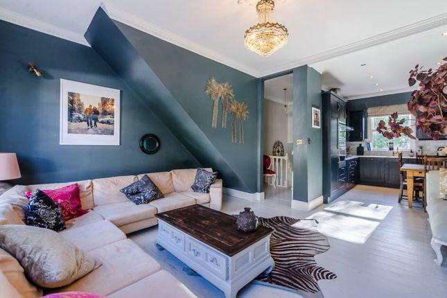 Thumbnail Maisonette to rent in Burgh Street, Angel, London