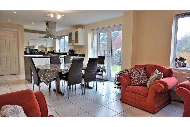 Thumbnail Detached house for sale in Woodedge Drive, Droitwich