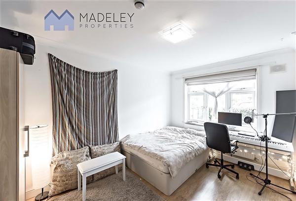 Thumbnail Property to rent in The Ridgeway, London