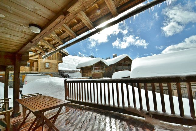 Thumbnail Chalet for sale in 0098, Le Chinaillon, France
