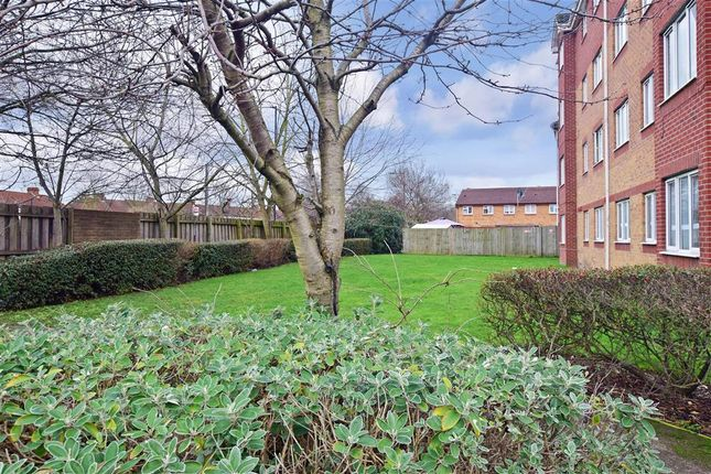 Thumbnail Flat for sale in Franklin Way, Croydon, Surrey