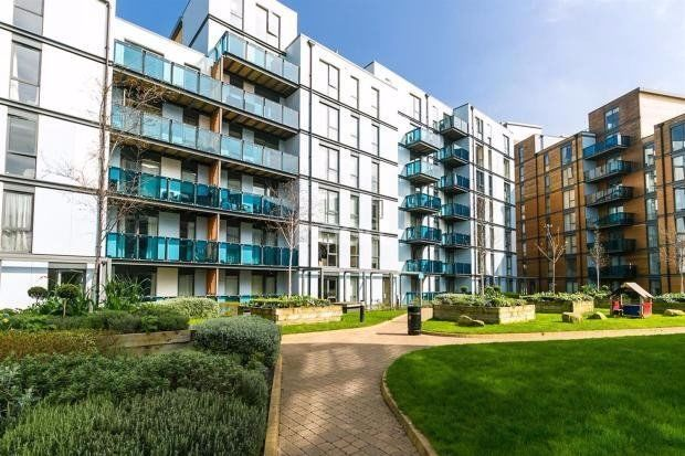 1 bed flat to rent in Needleman Close, Edgware
