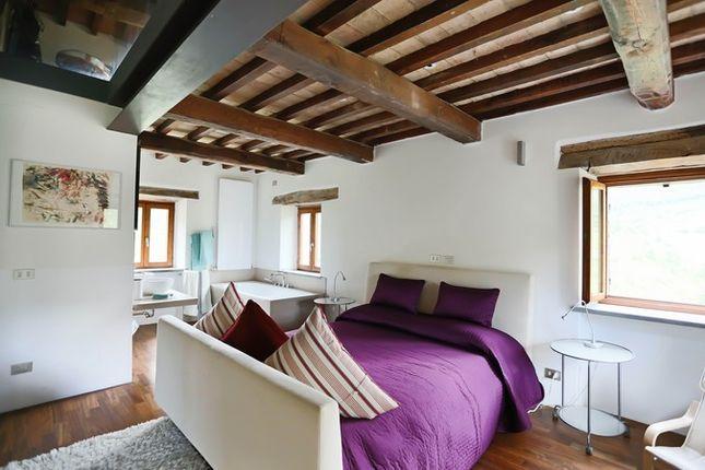 Poderetto Gubbio Master Bedroom 3