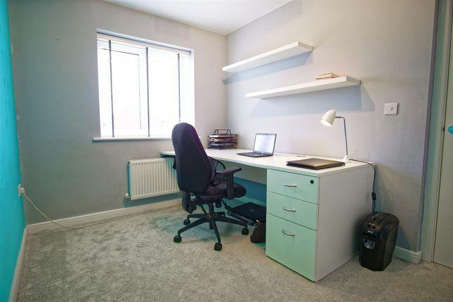 Study Room / Bedroom 3