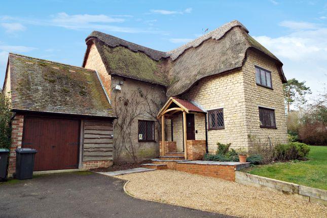 Thumbnail Cottage to rent in Vicarage Lane, Podington, Northamptonshire