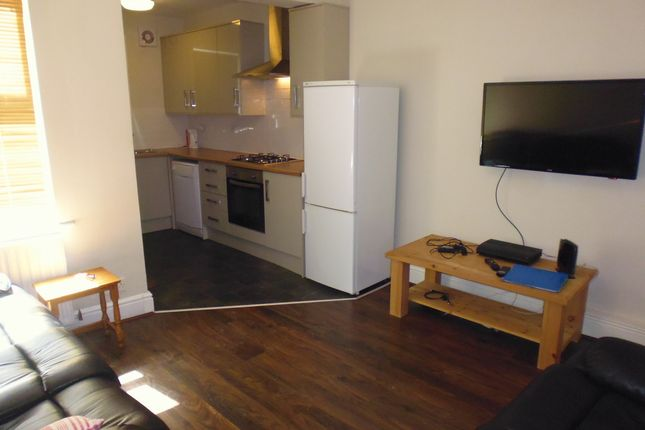 Thumbnail Terraced house to rent in Hobart Street, Sheffield