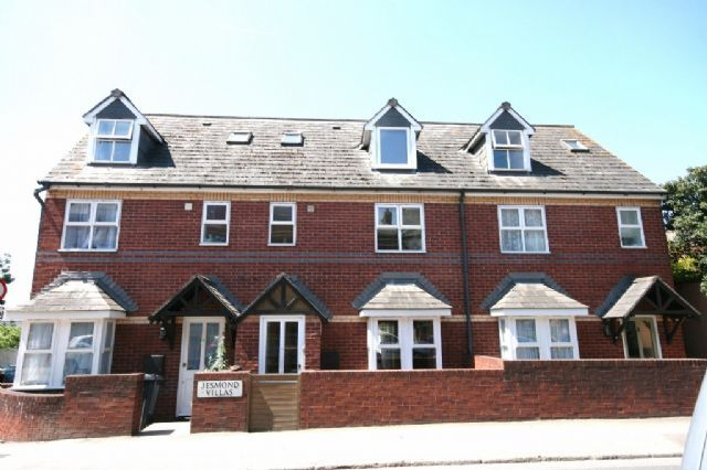 Thumbnail Semi-detached house to rent in Polsloe Road, Exeter