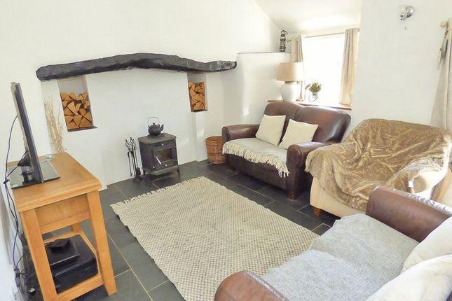 Thumbnail Cottage for sale in Maenan, Llanrwst