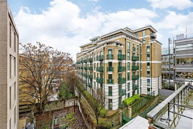 Thumbnail Flat for sale in 4 Elizabeth Court, London