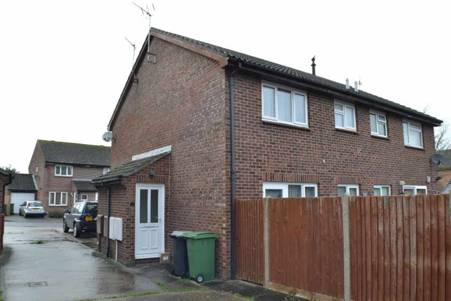 Thumbnail Property to rent in Wenlock Way, Thatcham