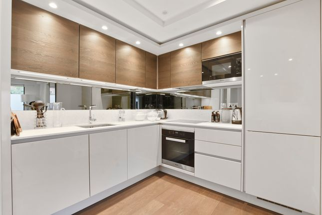 Thumbnail Flat for sale in Connaught House, Connaught Gardens, Muswell Hill