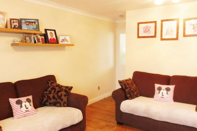 Lounge of Curlew Rise, Thorpe Hesley S61