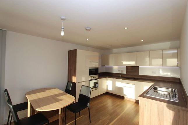 Thumbnail Flat to rent in Evelyn Street, London