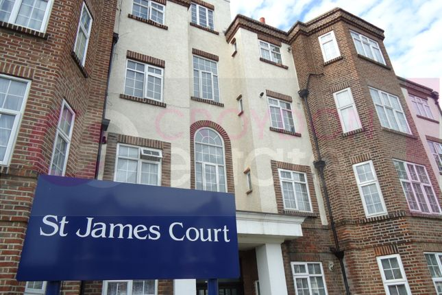 2 bed flat to rent in St James Road, Croydon