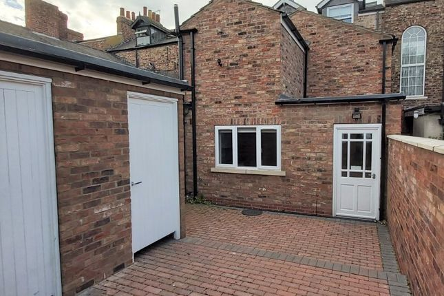 Thumbnail Flat to rent in Clarence Street, York