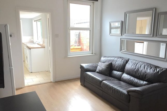 Thumbnail End terrace house to rent in Sincil Bank, Lincoln