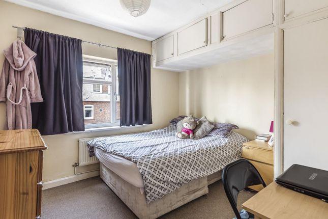 Bedroom of Elgar Road, Reading RG2