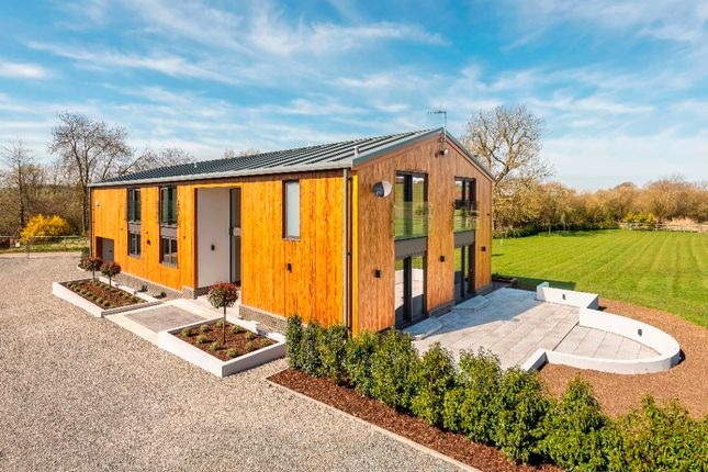 Thumbnail Barn conversion for sale in Redbourn Road, St Albans
