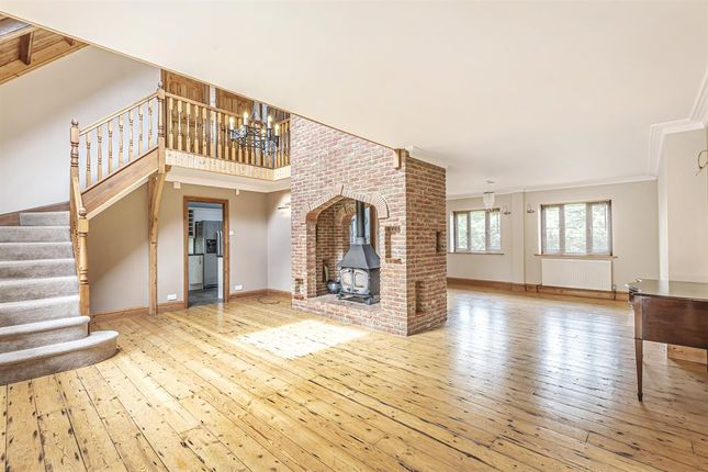 Thumbnail Detached house for sale in The Old Chapel, Oxford Road, Horndon-On-The-Hill