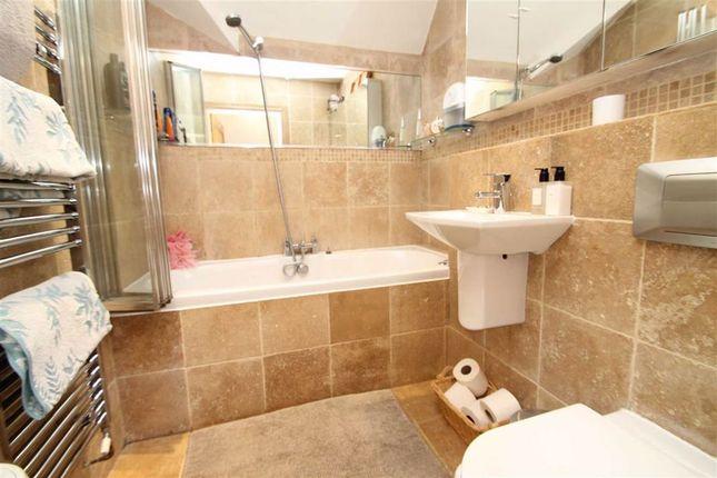 Bathroom of Oakhill Close, Edgbaston, Birmingham B17