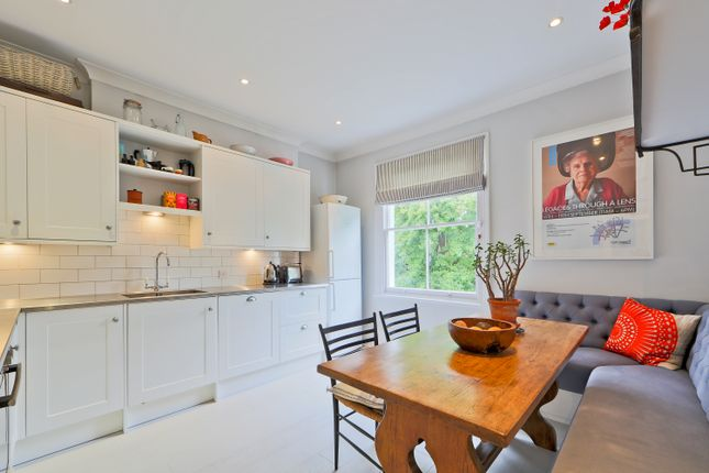 2 bed flat for sale in Highbury Hill, London