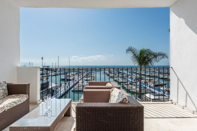 Thumbnail Villa for sale in Puerto Banús, 29660 Marbella, Málaga, Spain