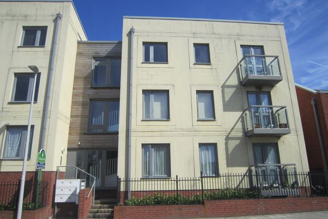 Thumbnail Flat to rent in Phelps Road, Devonport, Plymouth