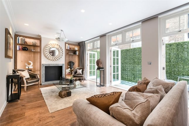 Thumbnail Mews house to rent in Clabon Mews, Knightsbridge