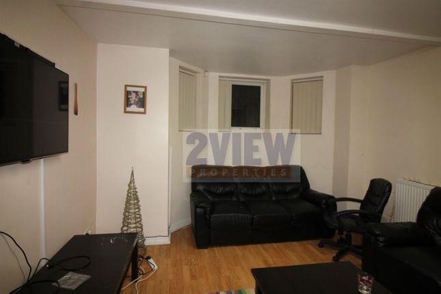 Thumbnail Property to rent in Regent Park Terrace, Leeds, West Yorkshire