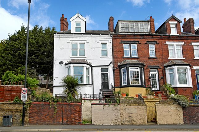 Thumbnail Shared accommodation to rent in Stanningley Road, Leeds