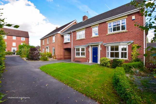 Thumbnail Link-detached house for sale in Hunts Field Close, Lymm